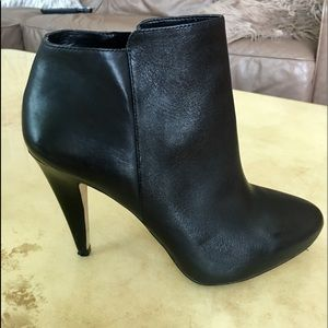 Black leather Booties .,Size 8 1/2 Mint condition